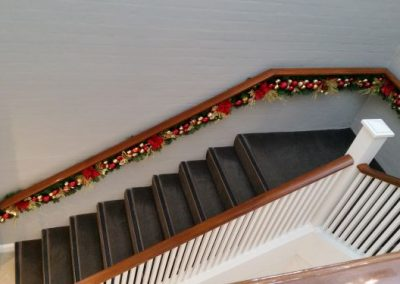 Staircase Garlands in red & gold