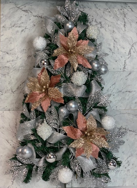 Take The Hassle Out Of Office Christmas Decor We Do It All For You