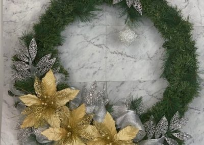 wreath-christmas-tree-hire-gold-silver-deluxe